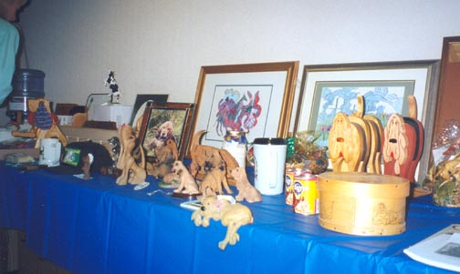 Auction-Table-at-Banquet